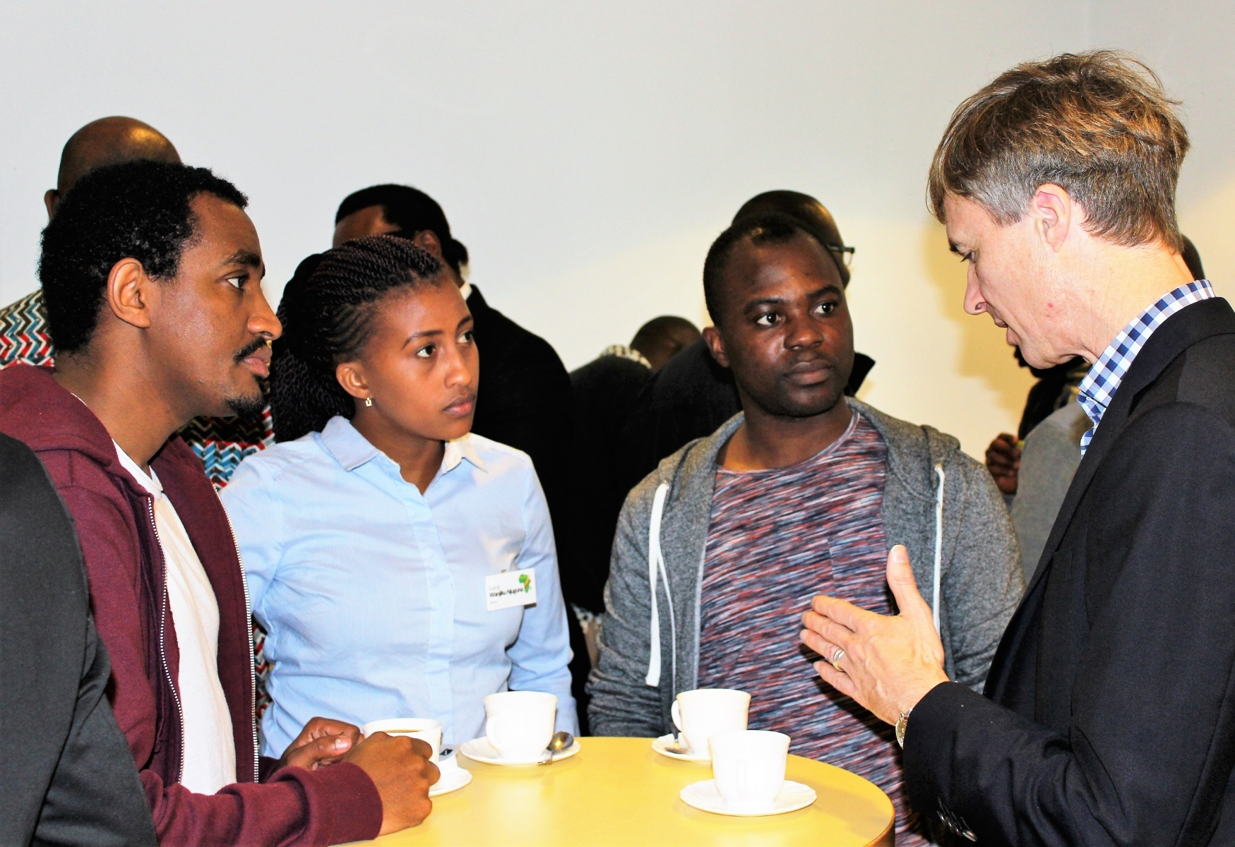 AGGN fellows discussing with expert