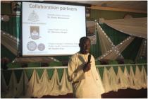 "Shafiu presenting himself at Workshop on ""Qualitative Methods in Health Research"""